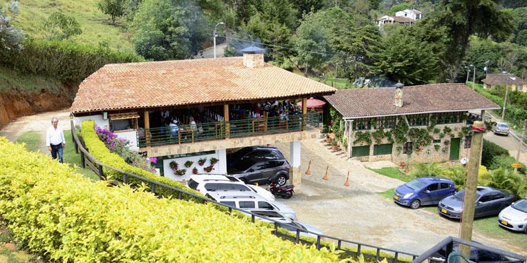 instalaciones-restaurante-Barra-de-Manolo-home